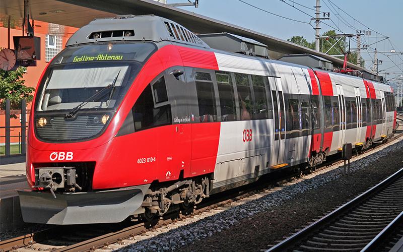 Einfahrender Zug