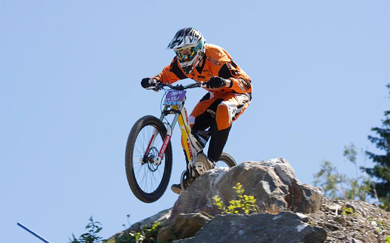 Downhill-Biker